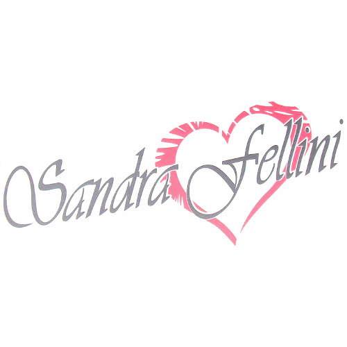 Ρολόι χειρός Sandra Fellini. Το λουράκι είναι καουτσούκ και το καντράν  μεταλλικό. 1e4f039d1a2