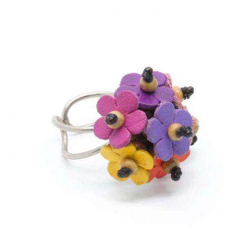 Δακτυλίδι με δερμάτινα χρωματιστά λουλούδια